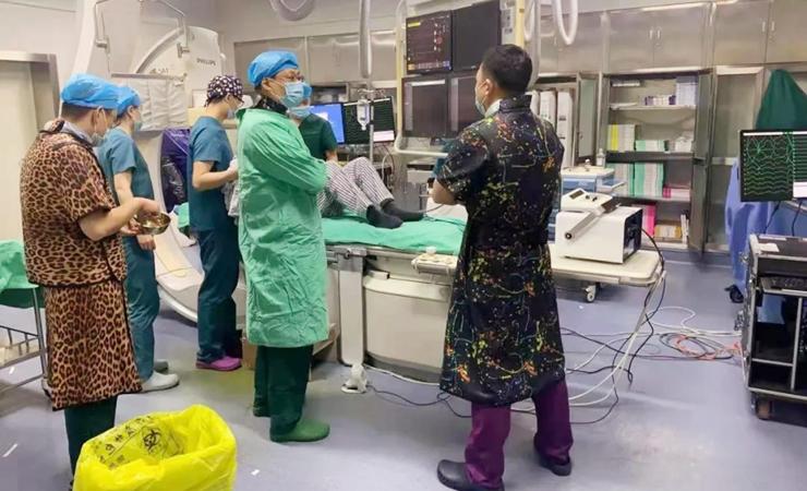 我院首次应用三维系统独立完成射频消融根治快速性心律失常一例 
